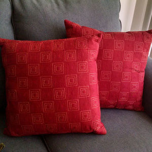 Set of Two 18 x 18 Accent Throw Pillows